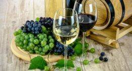 Fact or Fiction: A Glass of Red Wine A Day Can Keep the Waistline at Bay